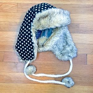 American Eagle polka-dot trapper hat